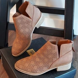 Madden NYC ankle boots